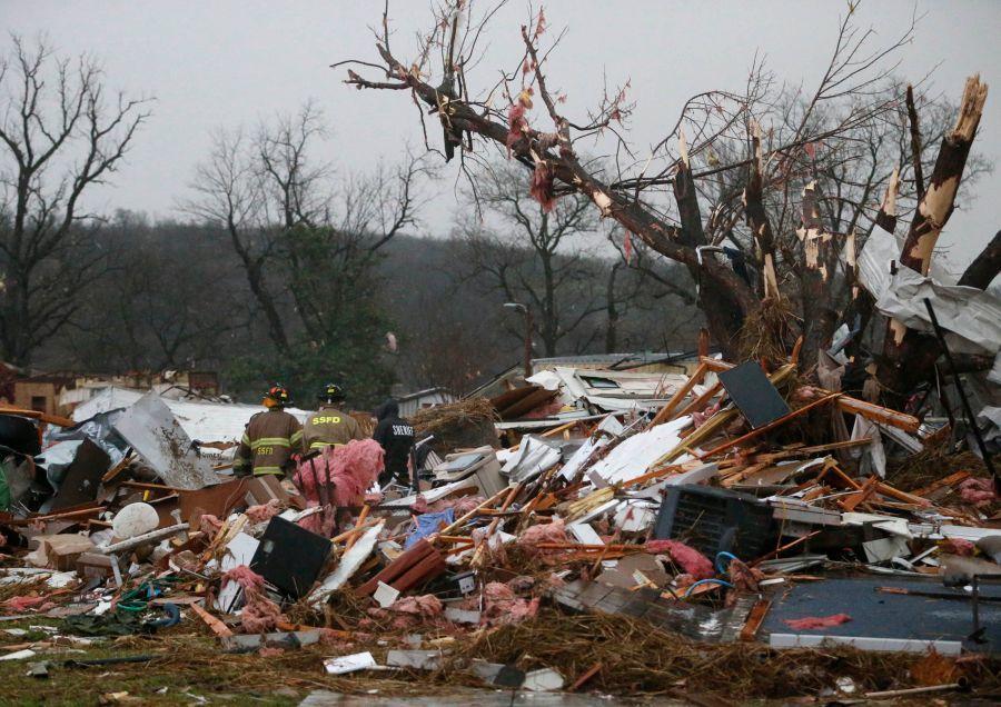 Tornados en oklahoma y arkansas dejan un muerto v deo - Oklahoma vecindario ...