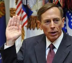 """Jefe de la CIA: """"Los Espiaremos a Través de Sus Lavaplatos"""" Petraeus_cia"""