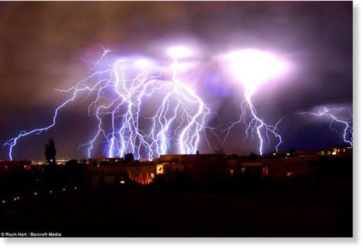 Una fuerte carga eléctrica espantó a los habitantes de Nuevo México Rayos_Nuevo_M_xico1
