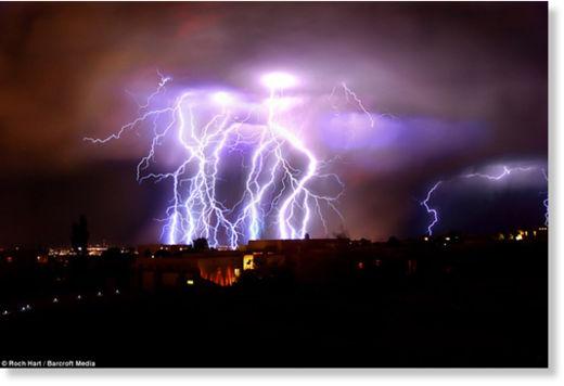 Una fuerte carga eléctrica espantó a los habitantes de Nuevo México Rayos_Nuevo_M_xico2