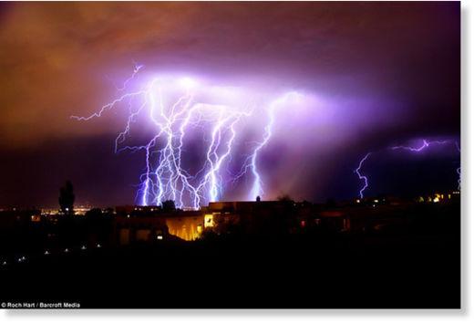 Una fuerte carga eléctrica espantó a los habitantes de Nuevo México Rayos_Nuevo_M_xico4