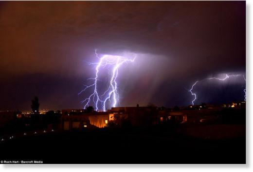 Una fuerte carga eléctrica espantó a los habitantes de Nuevo México Rayos_Nuevo_M_xico6
