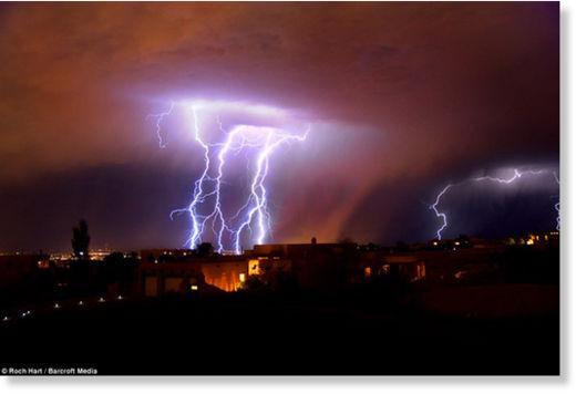 Una fuerte carga eléctrica espantó a los habitantes de Nuevo México Rayos_Nuevo_M_xico7