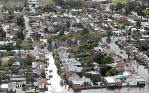 El agua cubrió 700 mil hectáreas en Buenos Aires 05_22_lluvia_673786789