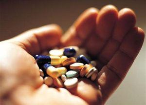 pastillas en mano