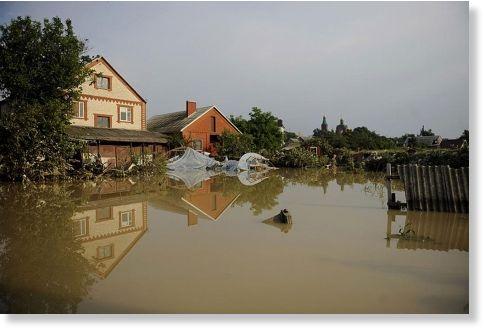 Relación 5 dias observados sobre eventos ocurridos en el planeta tierra.Hay una relaccion 300 dias detras 3/7/2012 consecutivos que presenta la misma relaccion. Inundaciones_en_Rusia_1
