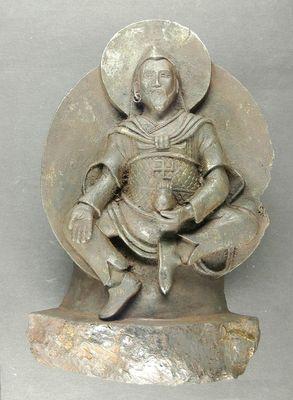 Antigua estatua de Dios budista