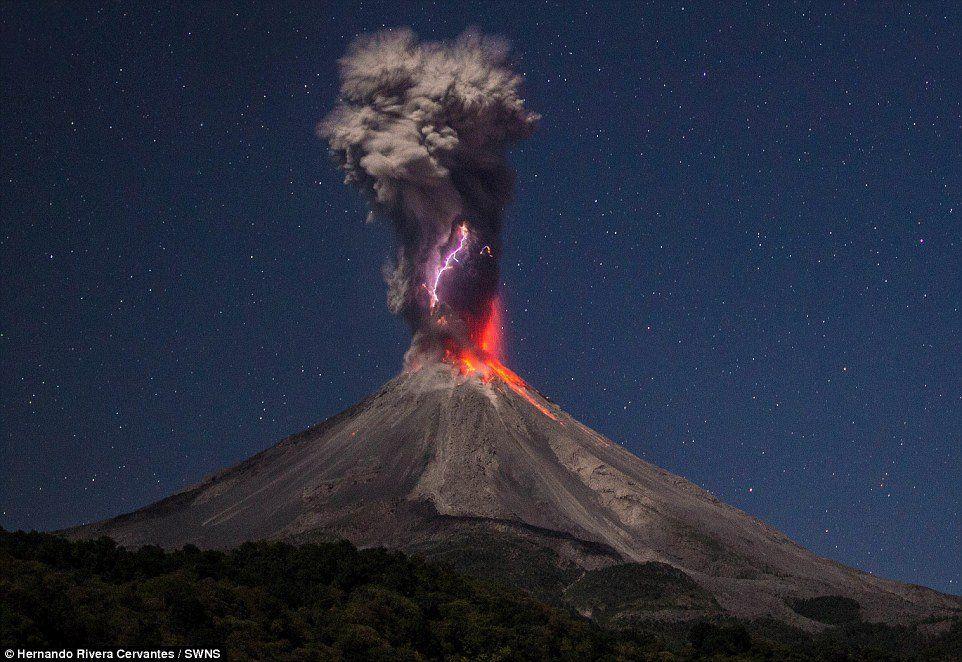 Resultado de imagen para rayos cosmicos intergalacticos eruption