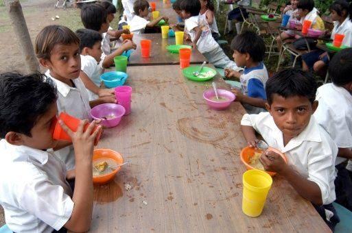 Miserable! Macri decide no pagar el comedor escolar de los niños los ...