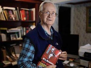El ex oficial del contraespionaje ruso Vil Mirzayanov desertó yéndose a Estados Unidos. Hoy tiene 83 años y comenta el caso Skripal desde Boston.