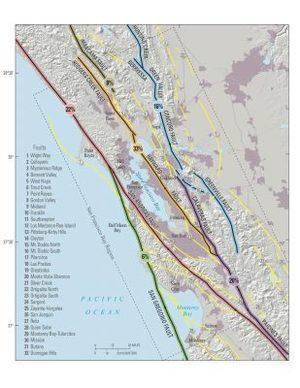 Esta imagen muestra las fallas que atraviesan en la costa oeste de California, principalmente en la Bahía de San Francisco. La de Hayward marcada en anaranjado.