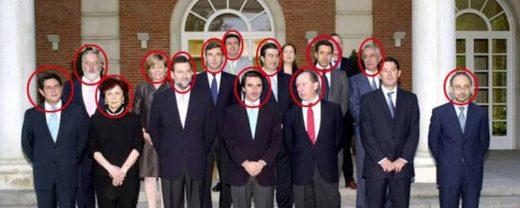 l gabinete de José María Aznar, en 2002, con 12 de sus 14 miembros señalados por la Justicia.