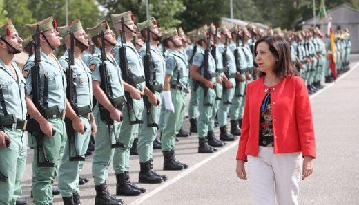 La ministra de Defensa Margarita Robles visita a unidades de La Legión ubicadas en el acuartelamiento Montejaque en Ronda