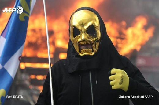 yellow vests chalecos amarillos mask