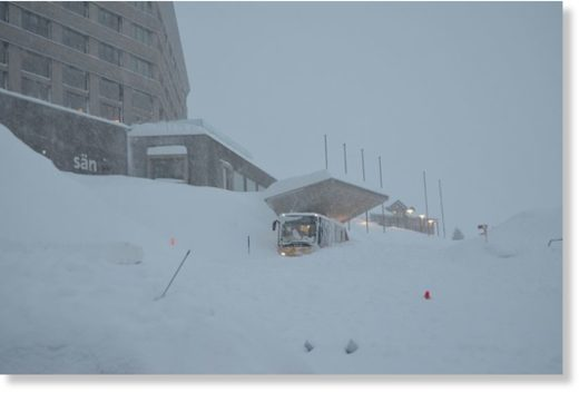 A 300-metre wide avalanche hit the restaurant of the Hotel Säntis in Schwägalp, eastern Switzerland on January 10th.