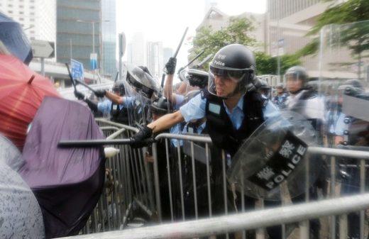 policía Hong Kong 2