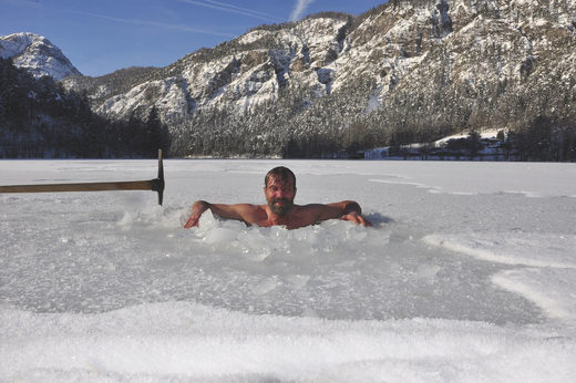 Wim Hof in ice