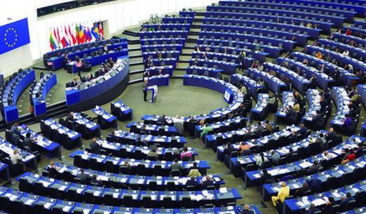 Resolución del Parlamento Europeo equipara el comunismo al nazismo y pide que se investiguen sus crímenes