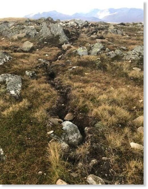 Channels and dislodged boulders were found near the summit of Leum Uilleim