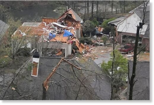 tornadoes rip through Alabama