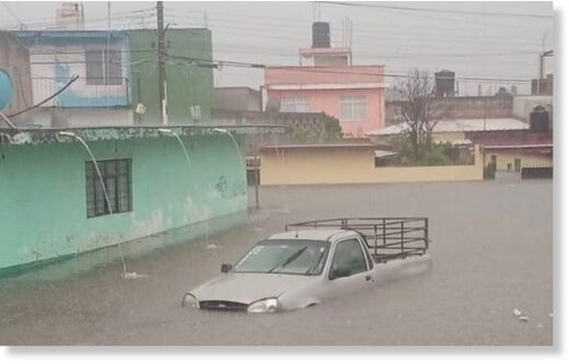 The rains caused severe flooding in different parts of Xalapa.